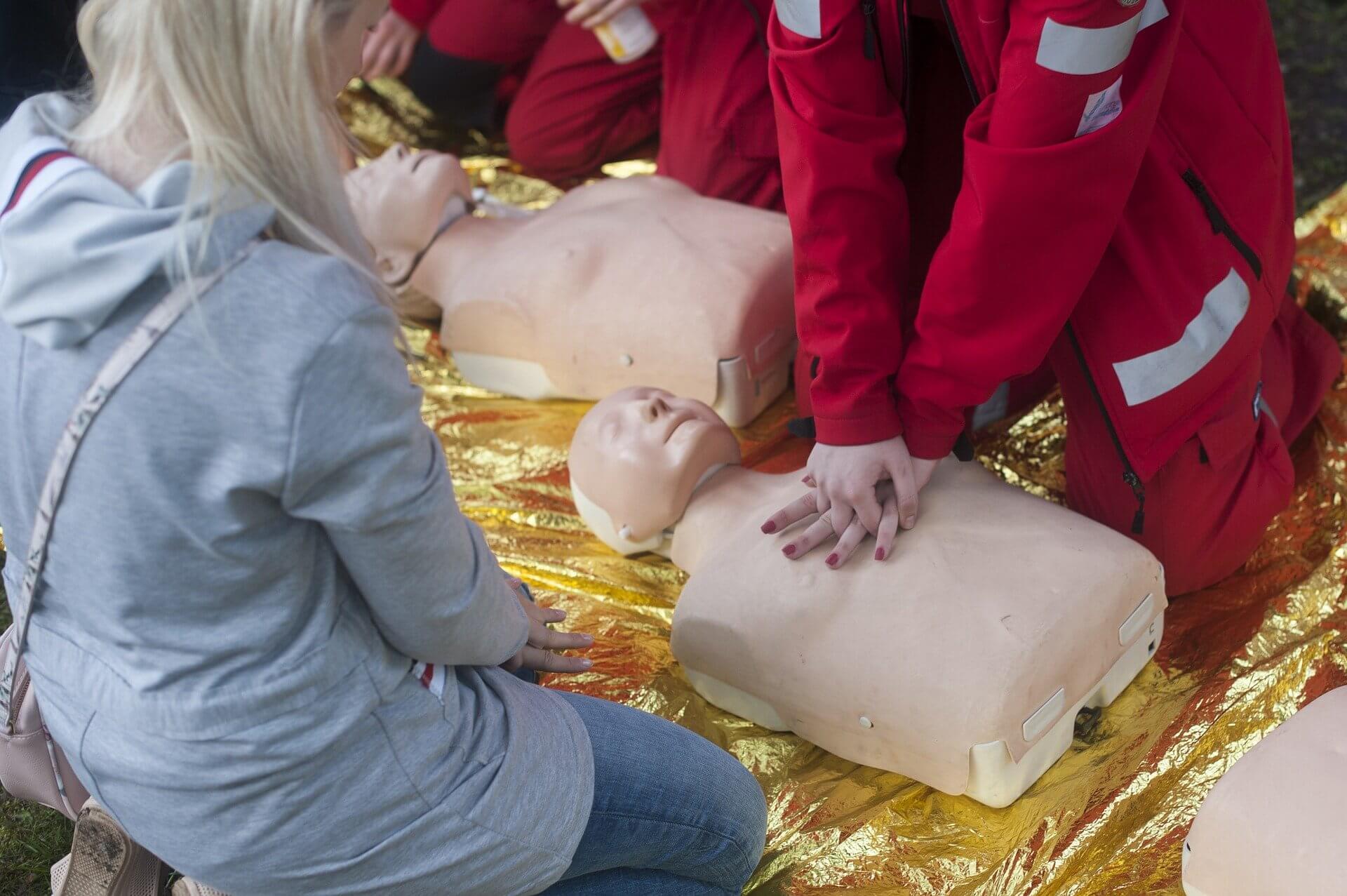 resuscitation-4215647_1920